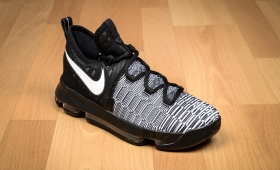 NIKE ZOOM KD 9 EP GS入荷☆