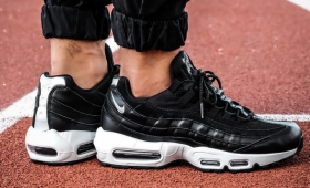 "NIKE AIR MAX 95 PRM ""Rebel Skulls""入荷☆"