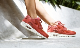 "【海外カラー】NIKE WMNS AIR MAX 90 ""Light Redwood""入荷☆"