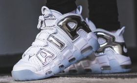"NIKE WMNS AIR MORE UPTEMPO ""Chrome""入荷☆"