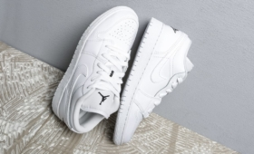 NIKE AIR JORDAN 1 LOW (GS)入荷☆