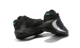 NIKE ZOOM FREAK 1 EP入荷☆